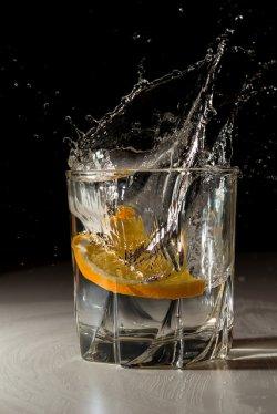 drink w szklance